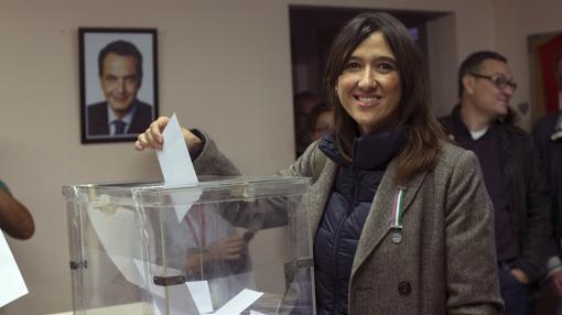 Núria Parlon, viceprimera secretaria del PSC ha votado en Santa Coloma de Gramenet