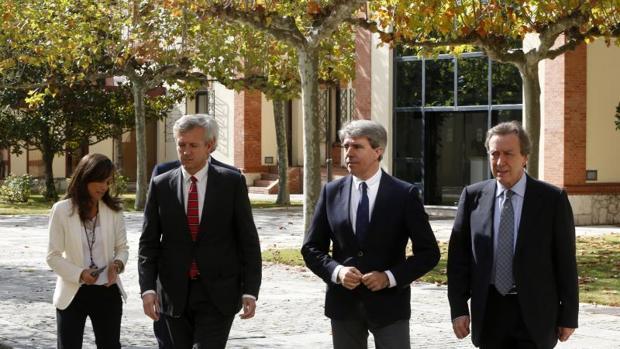 Rueda, Garrido y De Santiago-Juárez, ayer tras reunirse en Valladolid