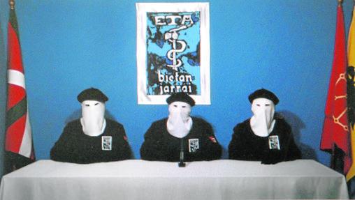 David Pla, Iratxe Sorzabal e Izascun Lesaca leyeron el comunicado de ETA