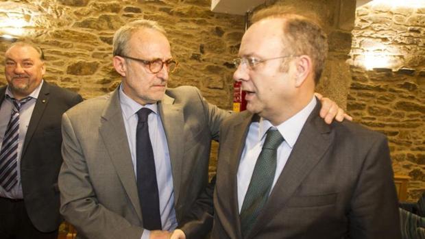 Antonio Diéter Moure saluda a su contrincante en las urnas tras alzarse con la presidencia de la CEG