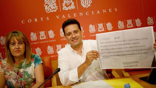 José Juan Zaplana con María Remedios Yáñez, portavoz de Sanidad en el PP
