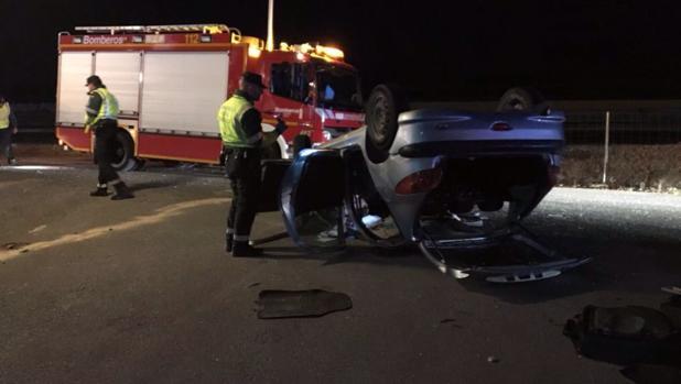 El vehículo que conducía la víctima mortal, tras el accidente