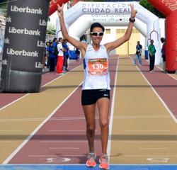 Silvia Bilan termina la carrrera