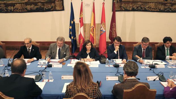 Las reuniones celebradas hasta la fecha habían estado presididas por la vicepresidenta Soraya Sáenz de Santamaría