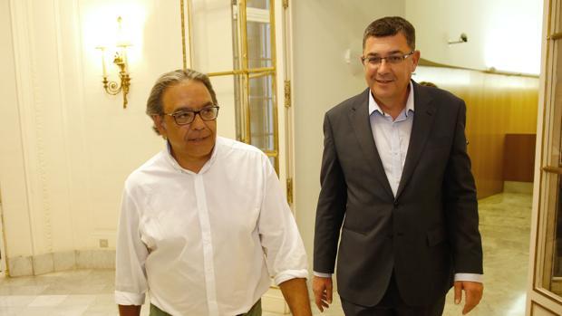Manuel Mata y Enric Morera, portavoces en las Corts Valencianes, en una imagen de archivo