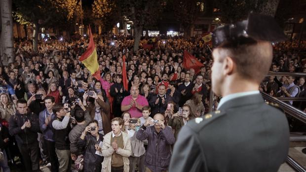 Imagen de la concentración en apoyo a la Guardia Civil celebrada en Pamplona