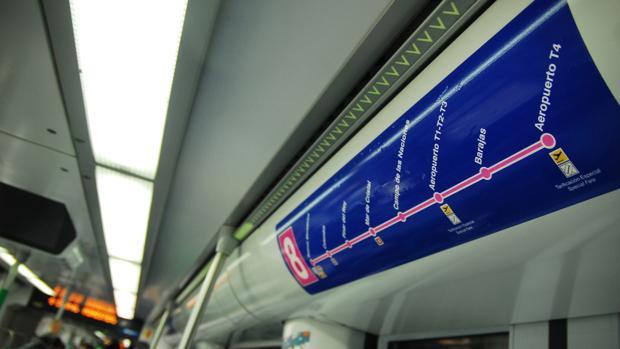 Imagen de un vagón de la línea 8 de Metro