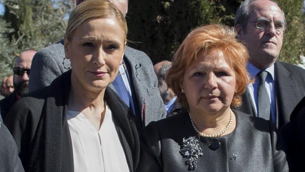 Cristina Cifuentes y Ángeles Pedraza, en el homenaje a las víctimas del 11-M
