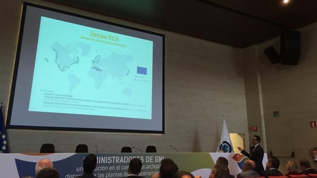 José Rafael Díaz Hernández, director del puerto de Tenerife, en unas jornadas sobre GNL