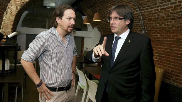 Pablo Iglesias con Carles Puigdemont, la pasada semana en Madrid