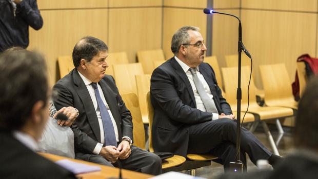 José Luis Olivas y Vicente Cotino, en el juicio de esta mañana