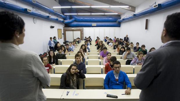 Estudiar un doctorado en Galicia «garantiza» encontrar empleo