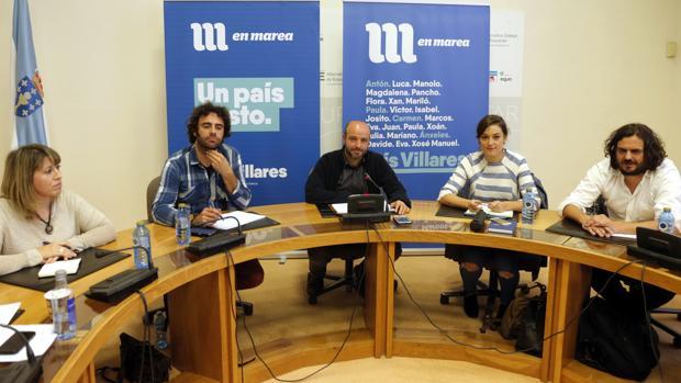 Santos, Rodríguez, Villares, Solla y Sánchez en la reunión del grupo parlamentario de En Marea