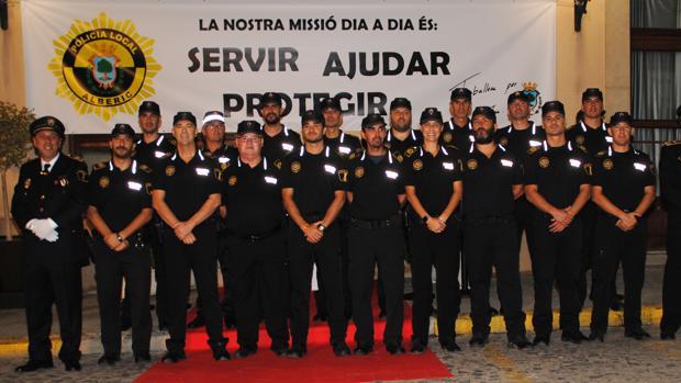 Imagen de archivo de los componentes de la Policía Local de Alberic