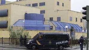 Los 39 inmigrantes amotinados en el CIE de Aluche serán expulsados de España