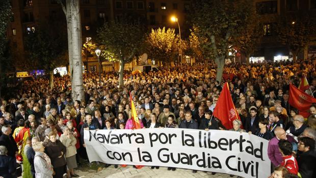 Concentración solidaria del pasado lunes con los agentes de la Guardia Civil agredidos en Alsasua