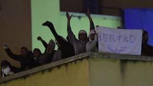 El motín del CIE estaba planeado por 90 argelinos que iban a emplear rehenes para escapar