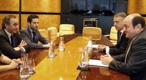 Urkullu excluye al PP de la Mesa del Parlamento vasco