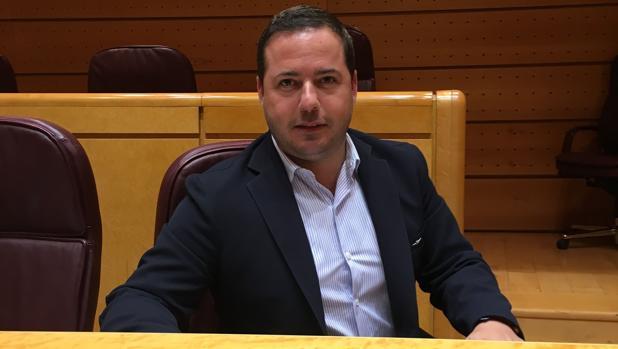 El senador Agustín Almodóbar, en la Cámara Alta