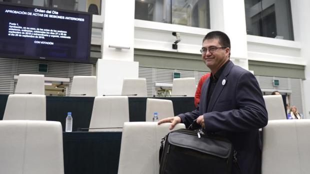 El concejal de Economía y Hacienda, Carlos Sánchez Mato, en el pleno municipal