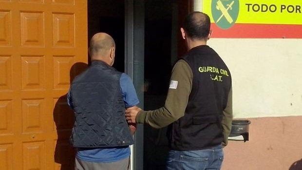 El hombre en las dependencias de la Guardia Civil de Gondomar