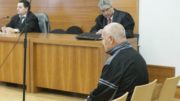 Imagen del acusado en el banquillo