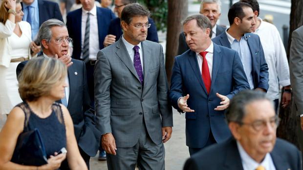 Imagen de archivo de Moragues con el ministro Catalá
