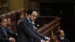 El PSOE intenta demostrar su papel como oposición y pide la comparecencia de todos los ministros de Rajoy