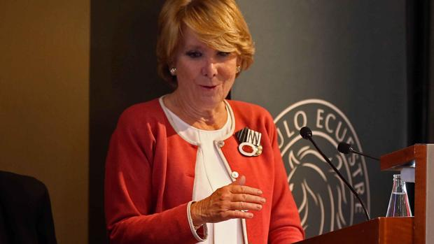 Esperanza Aguirre, durante la presentación de su libro 'Yo no me callo', en Barcelona