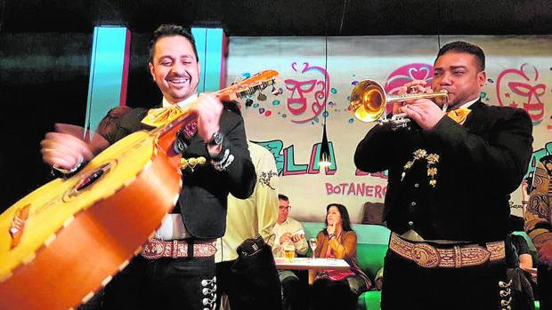 Inauguración de la Adelita Botanero Mexicano