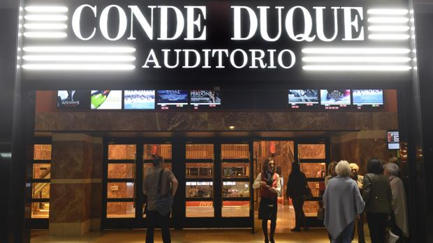 Fachada principal de los nuevos Cines Conde Duque Auditorio Morasol, en la calle Pradillo