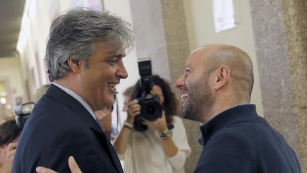 Pedro Puy y Luís Villares durante un encuentro en el Parlamento