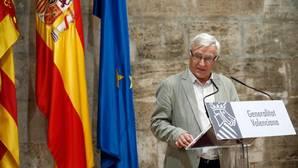 Joan Ribó sortea la normativa que impide exhibir banderas no oficiales en edificios públicos