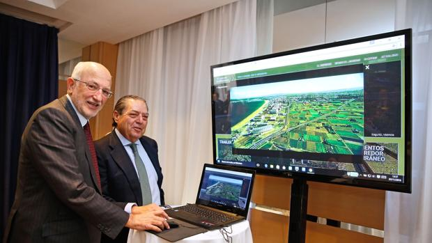 Imagen de Juan Roig y Vicente Boluda durante la presentación de la web