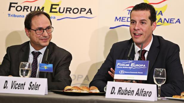 Soler con el presidente de la Federación Valenciana de Municipios y Provincias, Rubé Alfaro