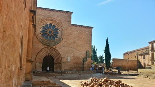 Como consecuencia de su inundación, en junio de 2015, parte del cerramiento de este monasterio cisterciense soriano de Santa María de Huerta se derrumbó