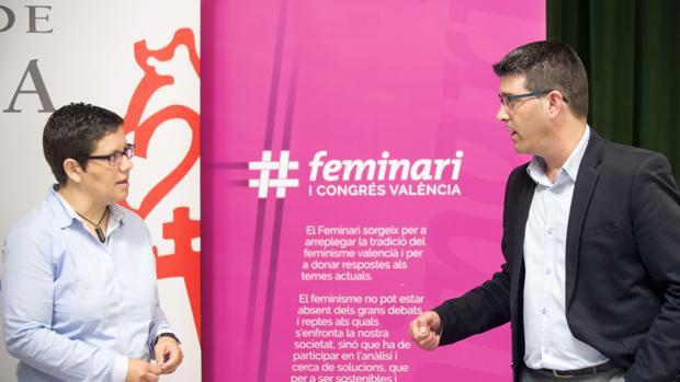 El presidente Jorge Rodríguez y la diputada Isabel García
