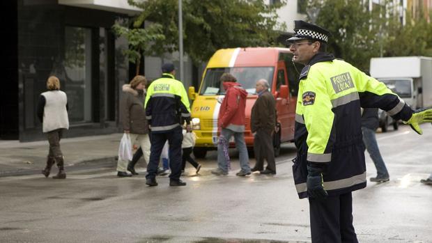 Varios agentes de la Policía Local, en Mallorca