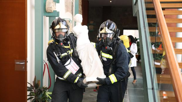 Simulacro de evacuación de bienes culturales en una jornada de formación celebrada en Ávila