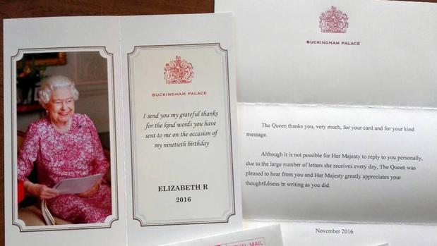 Carta de la Reina Isabel II a los alumnos del Colegio Divina Pastora de León