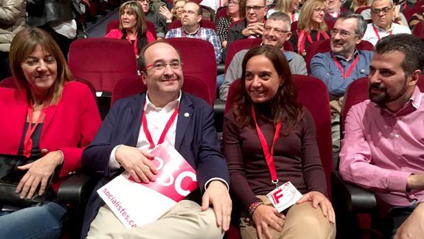 El secretario general del PSOE en Castilla y León, Luis Tudancia (D), asiste a la clausura del XIII Congreso del PSC, en Barcelona