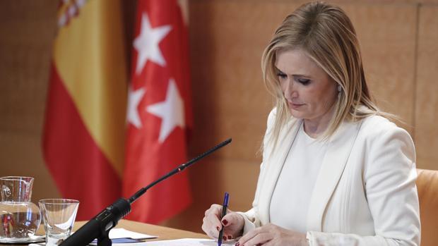 Cristina Cifuentes, ayer, tras presidir su Consejo de Gobierno
