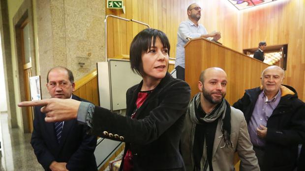 Los portavoces de la oposición antes de iniciar su comparecencia ante los medios