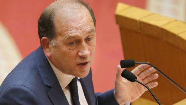 Xoaquín Fernández Leiceaga, portavoz parlamentario del PSdeG, durante el debate de investidura de Feijóo