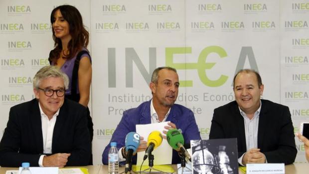 Llopis, Palacio y Melgarejo, en la presentación del informe trimestral de coyuntura, este jueves
