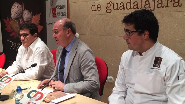 El alcalde de Sigüenza ha presentado las Jornadas Micológicas, junto a Jorge Maestro y Javier Munilla