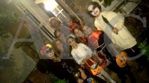 La sorpresa que Carmena dio en su casa a ocho niños la noche de Halloween