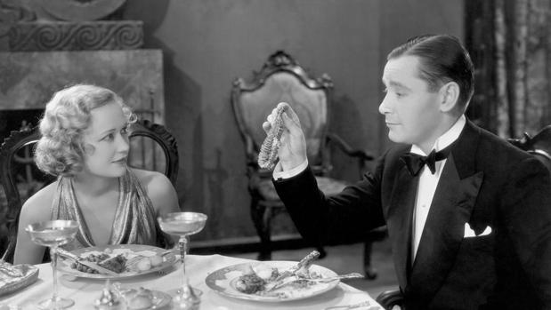 Escena de la pel·lícula «Un ladrón en la alcoba»