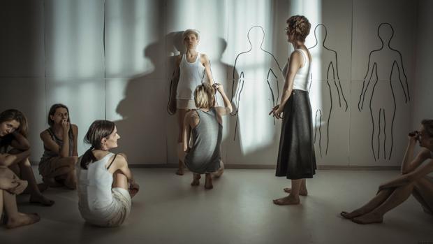 Escena de la película «El cuerpo»