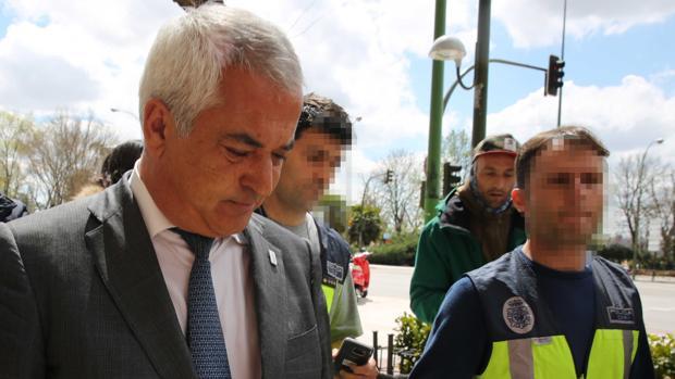 El juez imputa a un patrono de Fundación Unicaja por el chivatazo a Luis Pineda